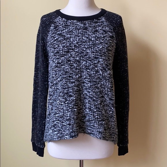 Lou & Grey Sweaters - Lou & Gray Raglan Long Sleeve Pullover Sweater